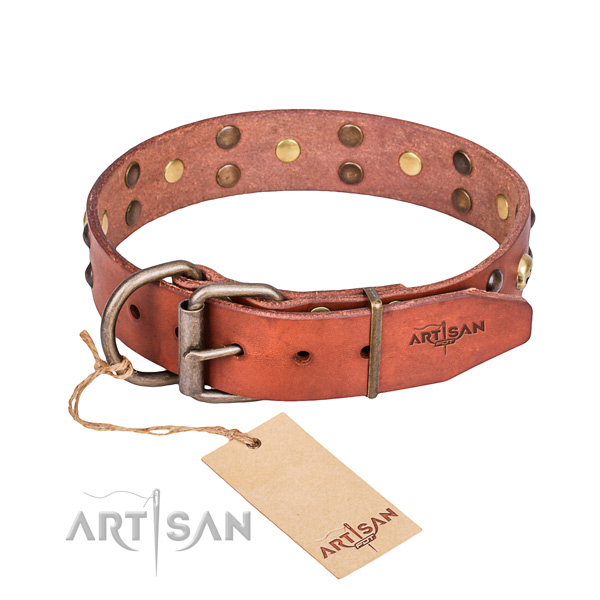 Genuine leather dog collar for reliable use