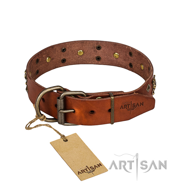 Leather dog collar with rounded edges for comfy everyday appliance