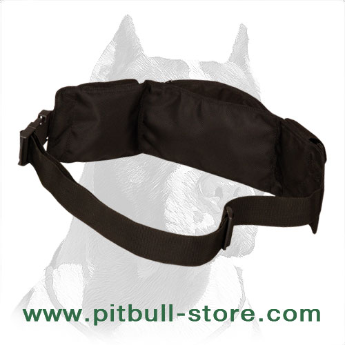 Pitbull training pouch made of water-resistant nylon