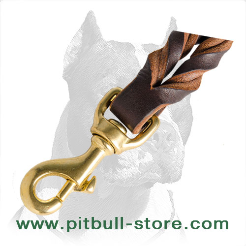 Soft and strong dog leash of durable leather for short grab