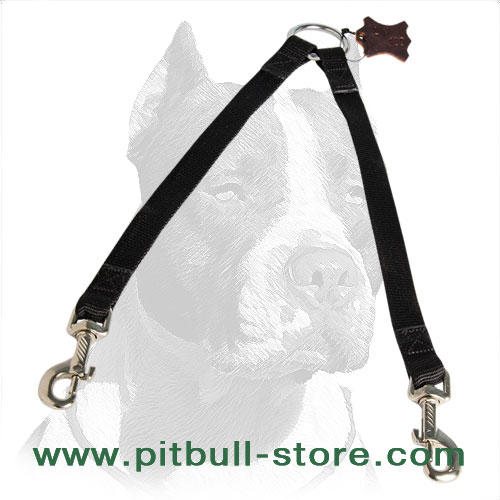 Dog coupler for Pitbulls made of nylon material