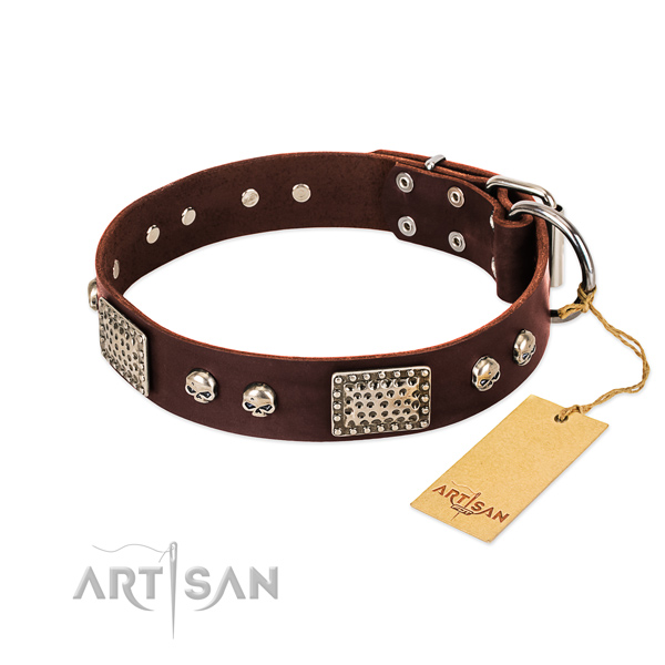 Easy adjustable full grain leather dog collar for basic training your dog