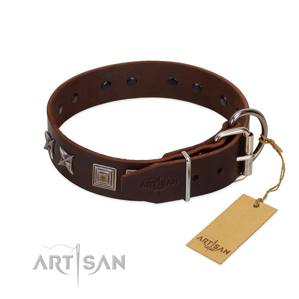 Genuine leather dog collar made of best quality material