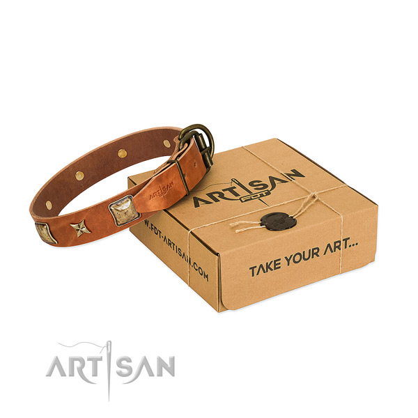 Convenient full grain leather collar for your impressive canine