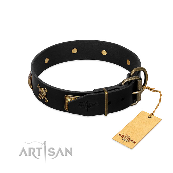 Flexible natural leather collar with embellishments for your doggie
